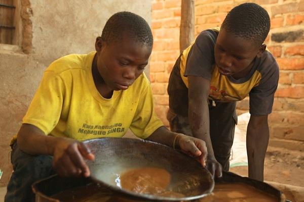Tanzania: 12 mila minori salvati dalle miniere illegali